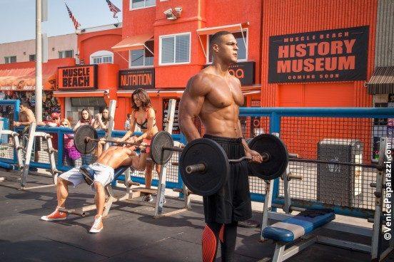 muscle-beach-11-x3-552x368