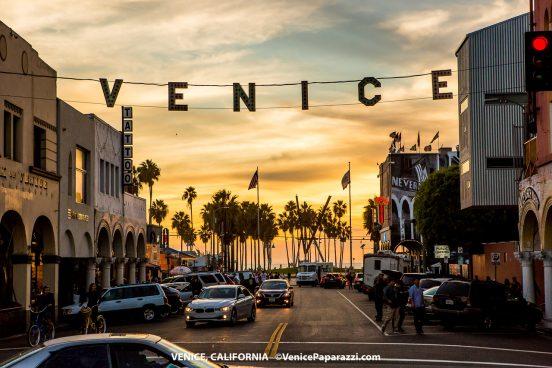 2017 Venice Sign Holiday Lighting. Photo by VenicePaparazzi.com