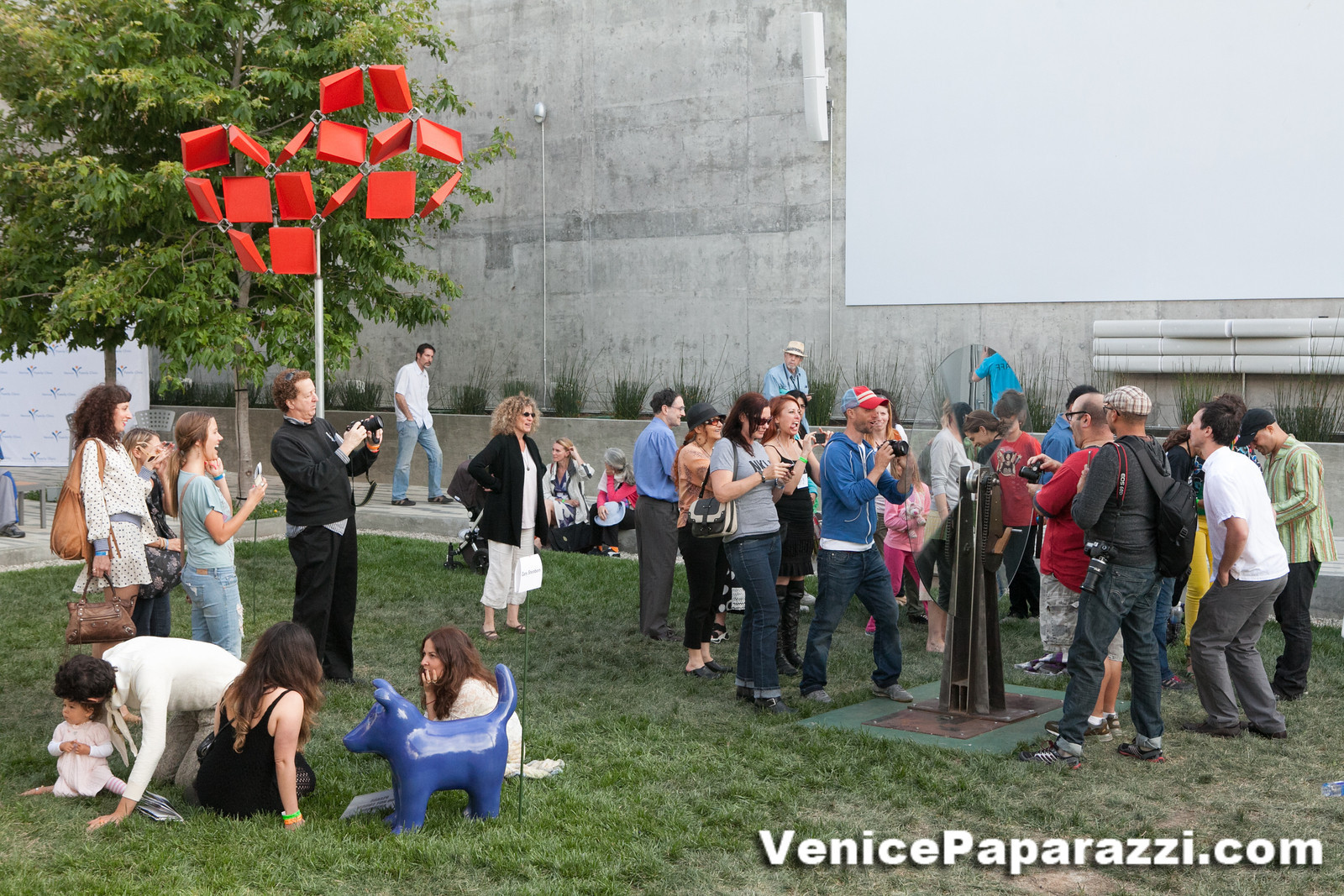 May 20 venice family clinic s art walk auctions for Dog daycare santa monica